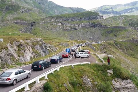 Traficul rutier s-a redeschis pe Transfăgărășan