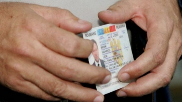"""Mai mulţi cetățeni au rămas fără buletine după ce au cumpărat """"pe datorie""""! Poliția a deschis dosar penal!"""