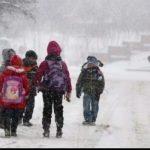 Părinţii vor primi zile libere când sunt închise şcolile