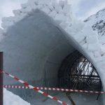 Se lucrează intens la Hotelul de Gheață de la Bâlea Lac
