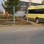 Șofer pe microbuzul școlii, depistat cu alcool la volan