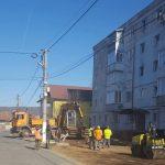 Au demarat lucrări de reparații la drumurile din oraș