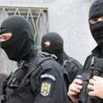 Făgăraș: Hoț din locuințe, săltat de mascați