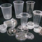 S-a stabilit anul în care vor fi interzise complet farfuriile, tacâmurile şi paiele din plastic