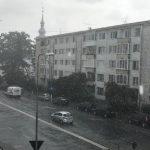 Vremea se schimbă radical. Furtuni și ploi torențiale în toată țara, începând de azi