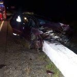 Accident grav pe DN1, la Scoreiu. O femeie a intrat cu mașina într-un cap de pod