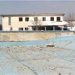 Liber pentru demolarea fostului ștrand. În acel loc ar urma să fie construit noul bazin de înot acoperit!