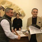 Este oficial! Scriitorul și jurnalistul făgărășean Eugen Ovidiu Chirovici a fost desemnat cetățean de onoare al municipiului