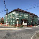 Lucrările pentru modernizarea clădirii primăriei din Voila au intrat pe ultima sută de metri