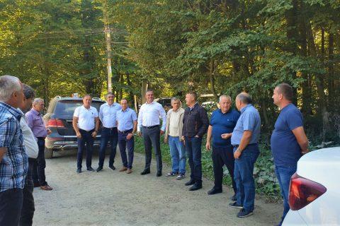 S-a dat startul lucrărilor de modernizare pe două drumuri din Țara Făgărașului