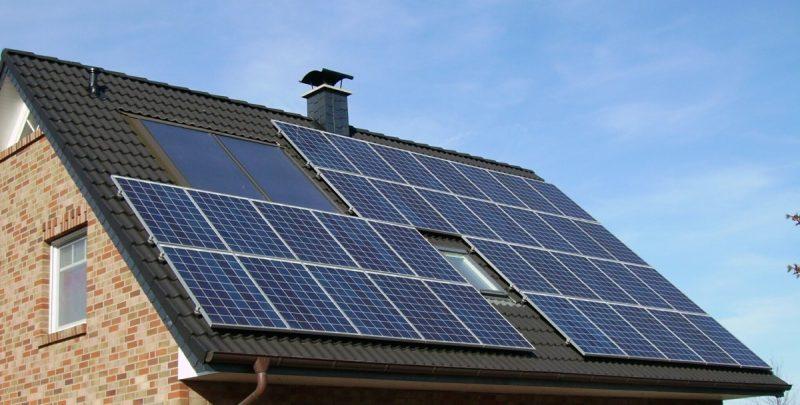 panouri-solare-fotovoltaice-casa-acoperis-e1567069463792