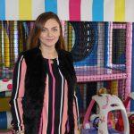 O făgărășeancă a reușit cu fonduri europene să realizeze un paradis al copiilor