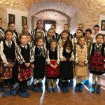 Micii iconari de la Șinca Nouă și-au expus creațiile în Cetatea Făgăraș