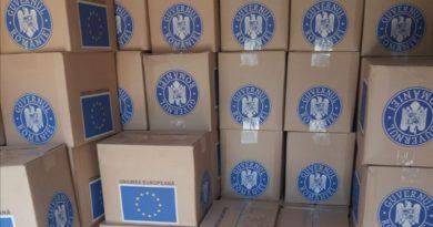 Începe distribuirea pachetelor gratuite cu produse alimentare