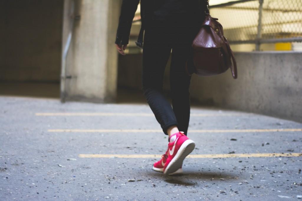 mers pe jos