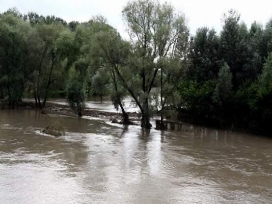 trei-ciobani-izolati-in-urma-inundatiilor-din-prahova-salvati-de-pompieri