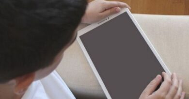 elevi-tableta